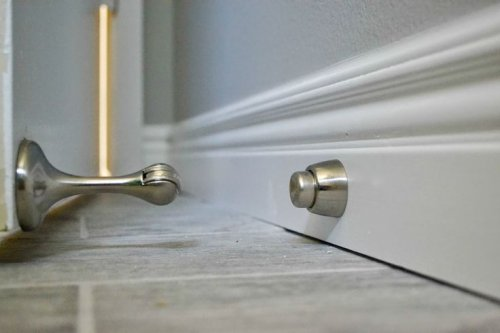 Overviews of the different types of decorative door stops (4)_500x333