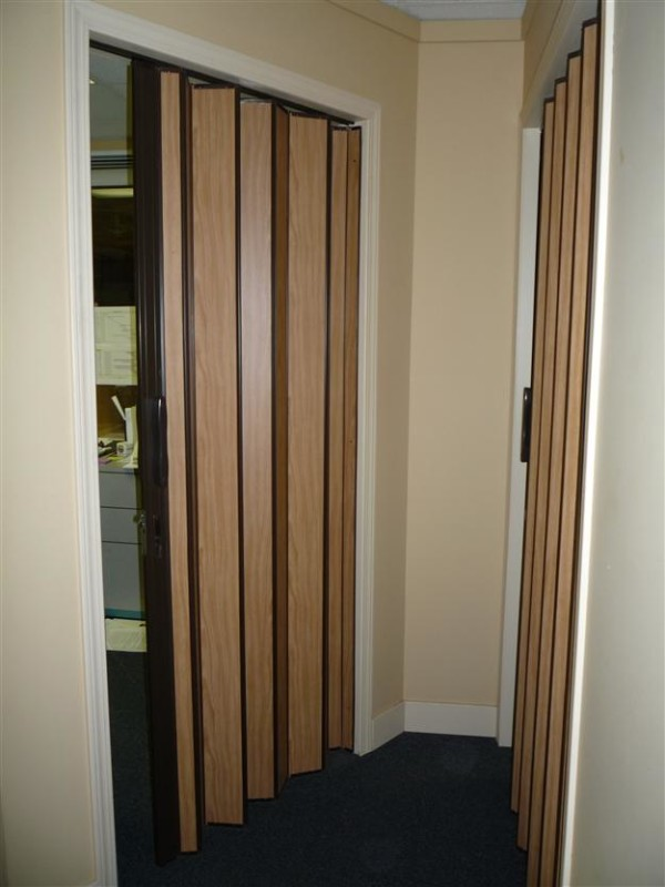 accordion doors interior 2