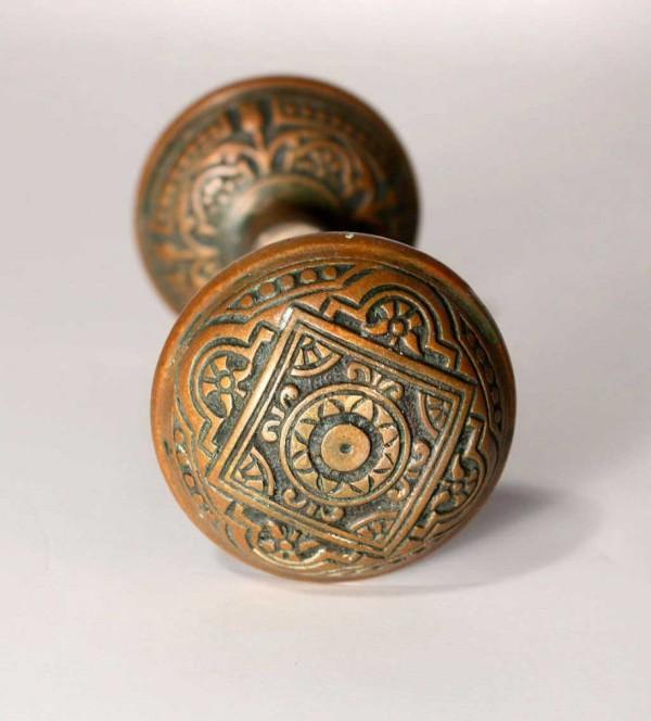 antique door knobs 1