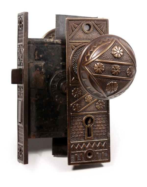 antique door knobs 2