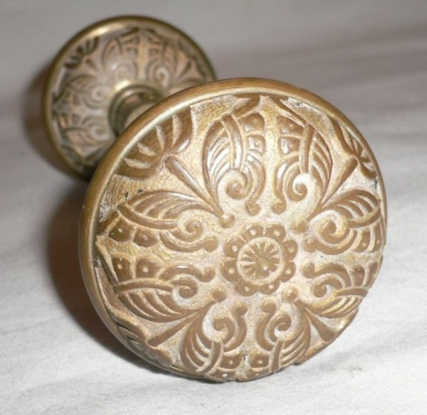 antique door knobs 4