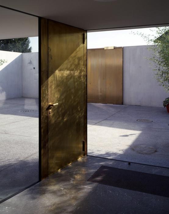 door threshold 1