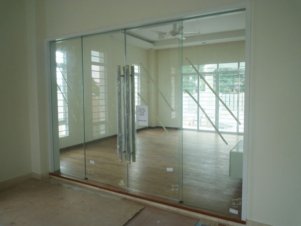 glass door 1