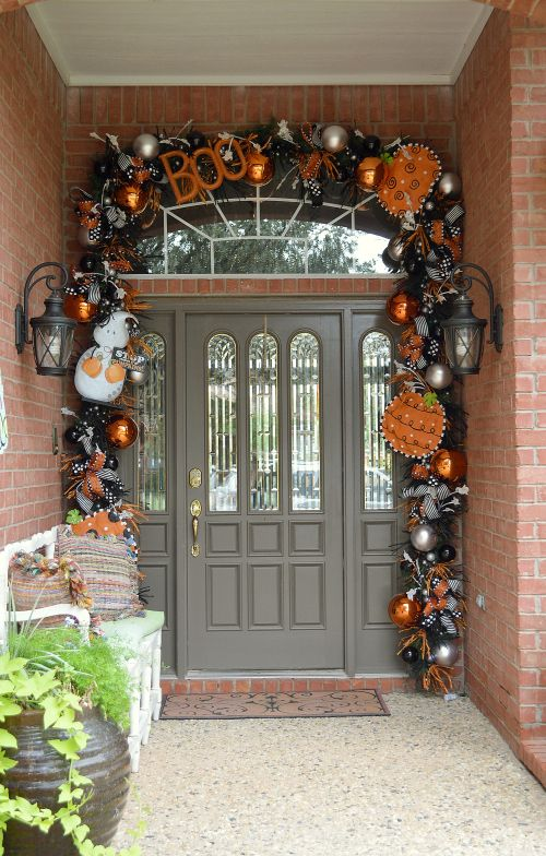 halloween door decor 3