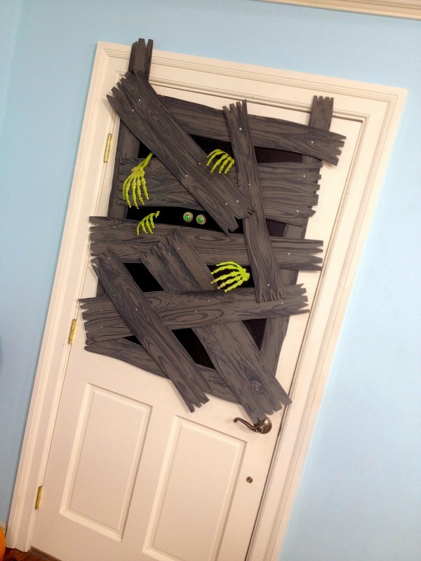 halloween door decorations 1