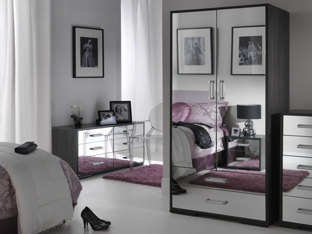 black-mirrored-glass-bedroom-furniture-photo-13