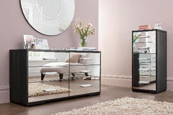 black-mirrored-glass-bedroom-furniture-photo-5