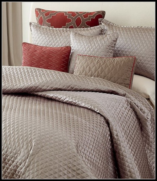Candice-olson-bedroom-dillards-photo-4
