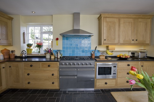 Country-cottage-kitchen-designs-photo-10