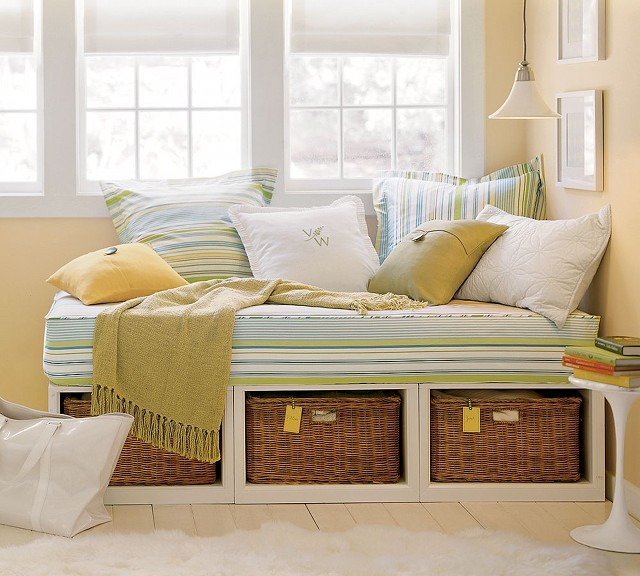 Daybed-bedding-sets-pottery-barn-photo-10