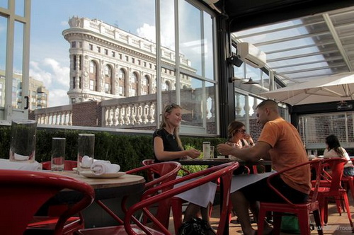 Eataly-rooftop-beer-garden-photo-10