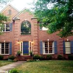Exterior paint colors with red brick – give your house a touch of superiority