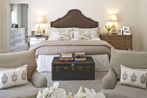 high-end-traditional-bedroom-furniture-photo-18