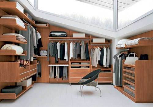 Huge-walk-in-closet-house-plans-photo-4