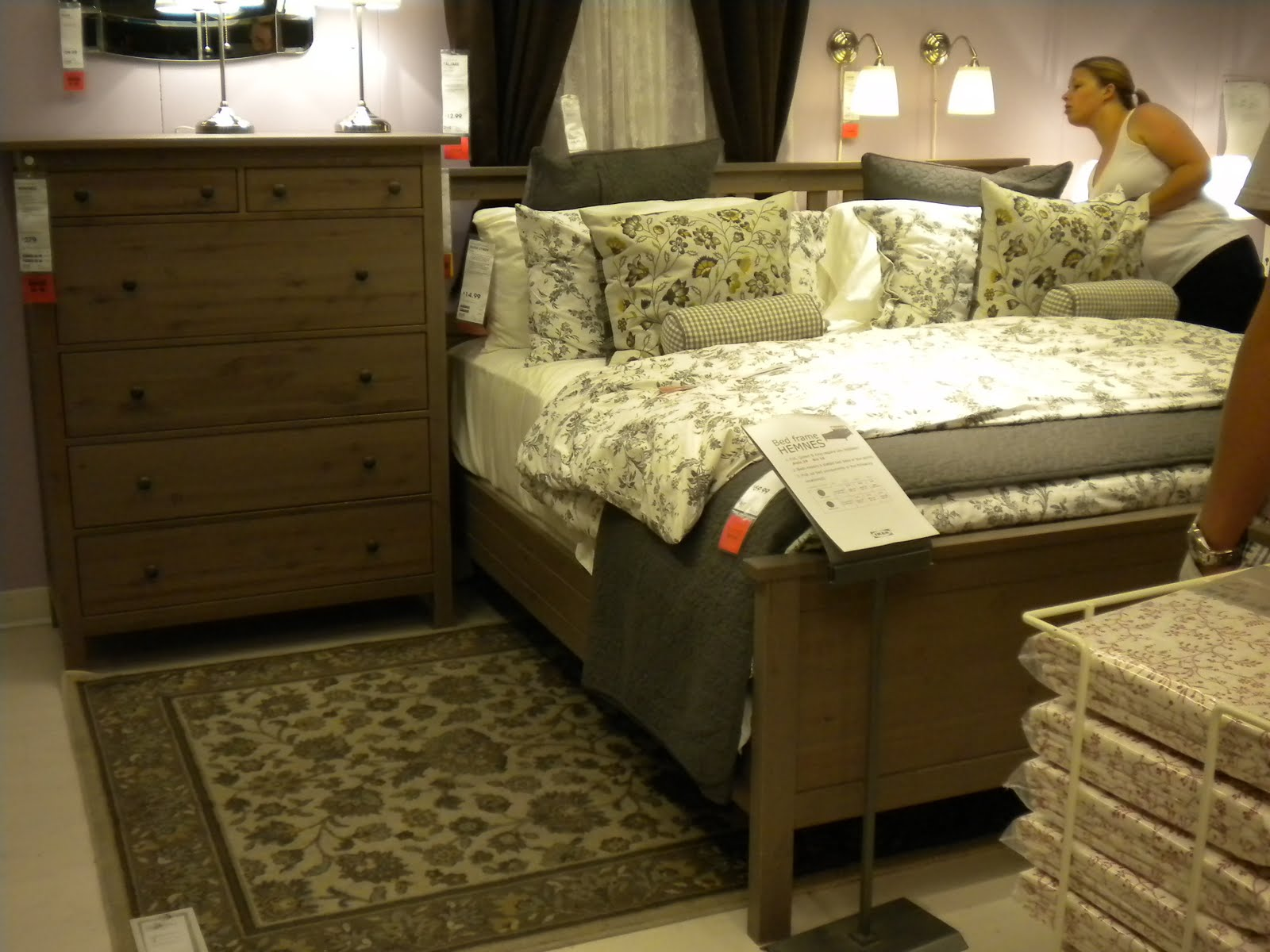 ikea-white-hemnes-bedroom-furniture-photo-14