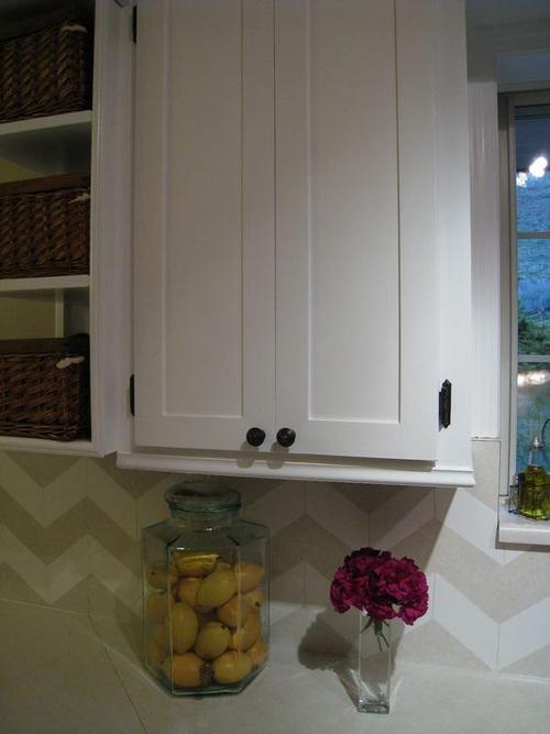 Kitchen-cabinet-door-trim-ideas-photo-9