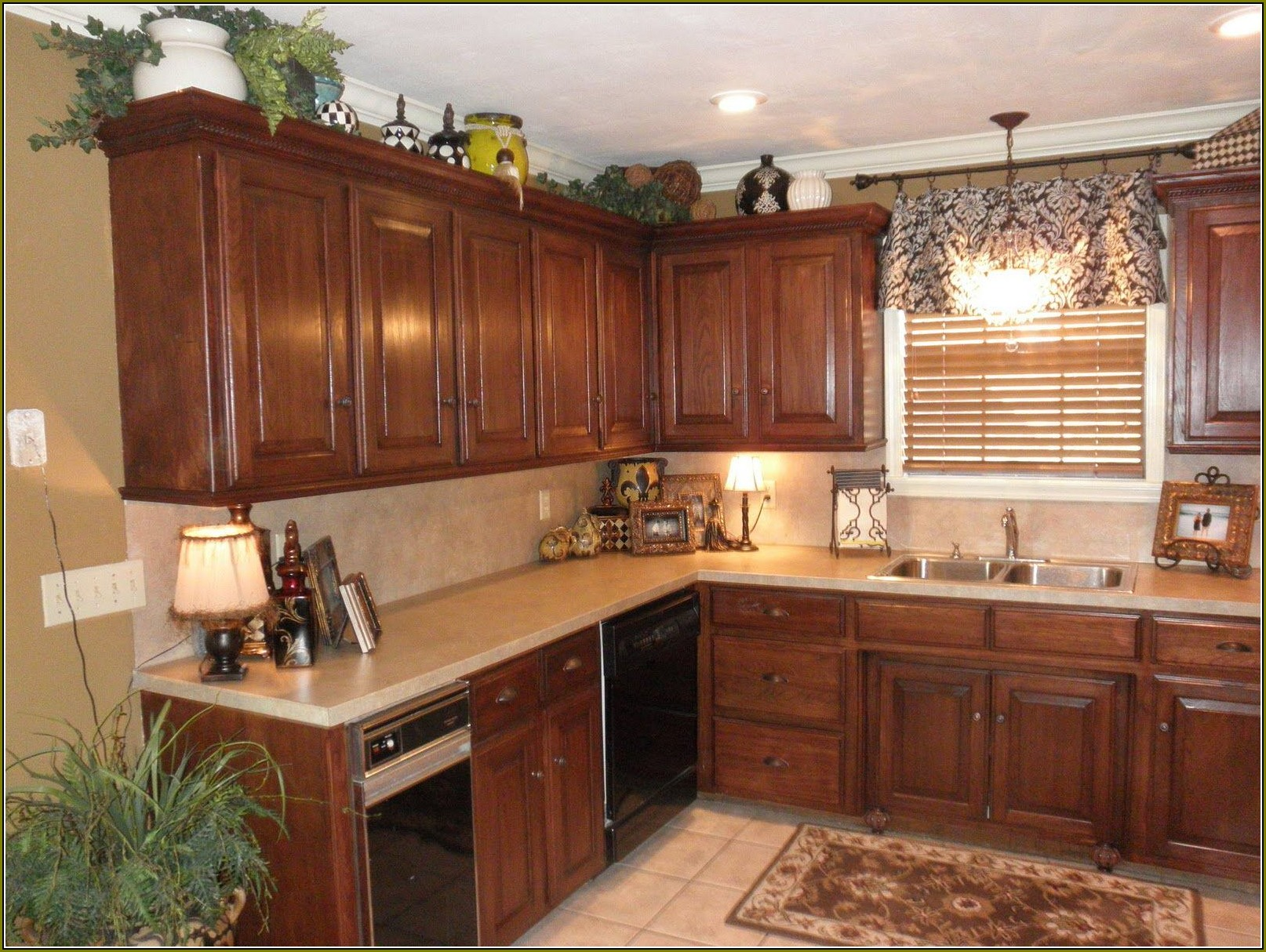 TOP 10 Kitchen Cabinets Molding Ideas Of 2018