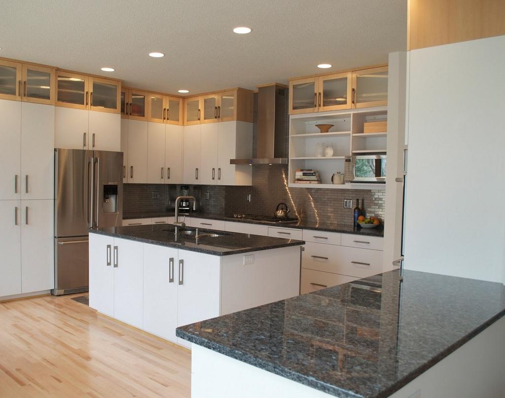 kitchen-white-cabinets-dark-countertops-photo-6