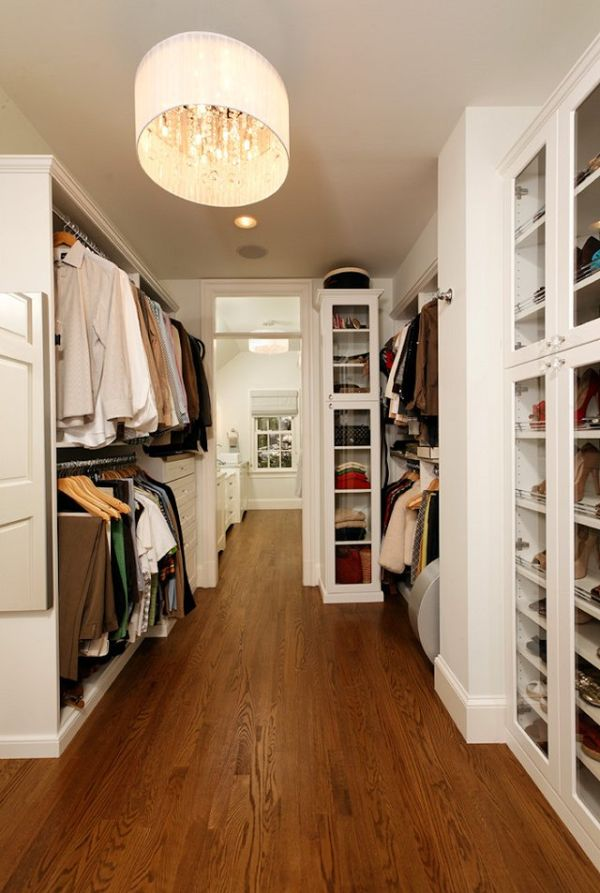 large-walk-in-closet-design-photo-11