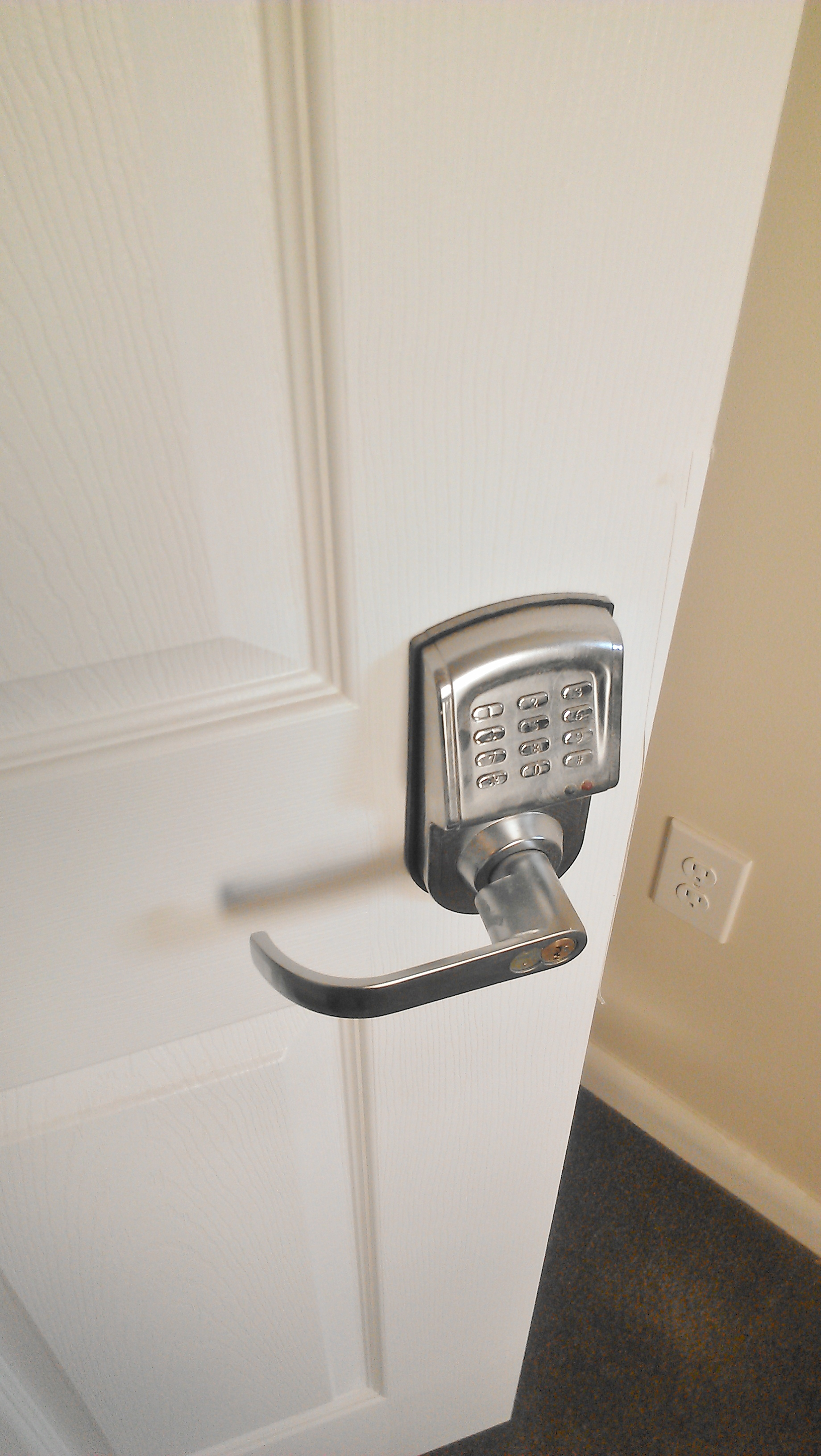 mirrored-sliding-closet-door-lock-photo-12