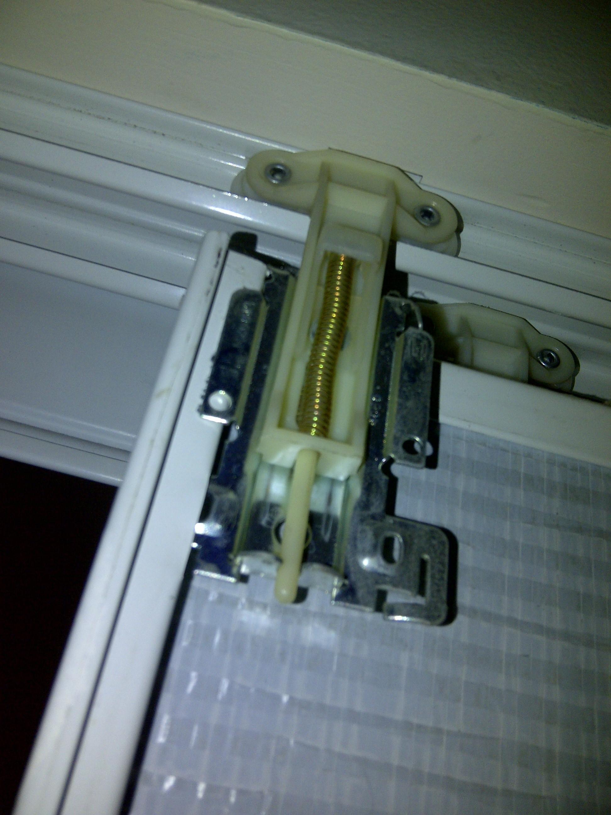mirrored-sliding-closet-door-lock-photo-5