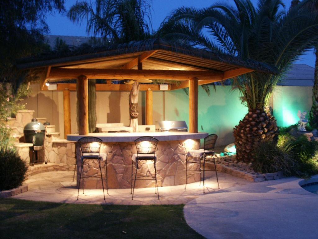 outdoor-kitchen-lighting-photo-14