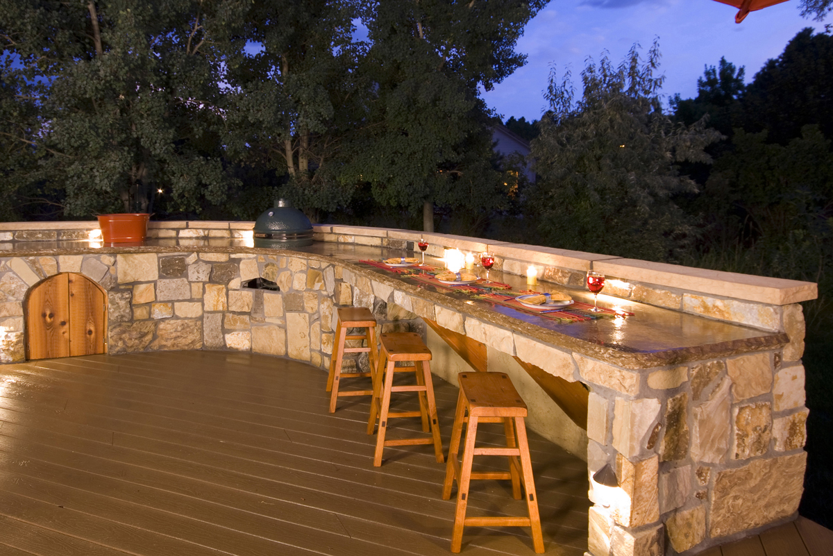 outdoor-kitchen-lighting-photo-6