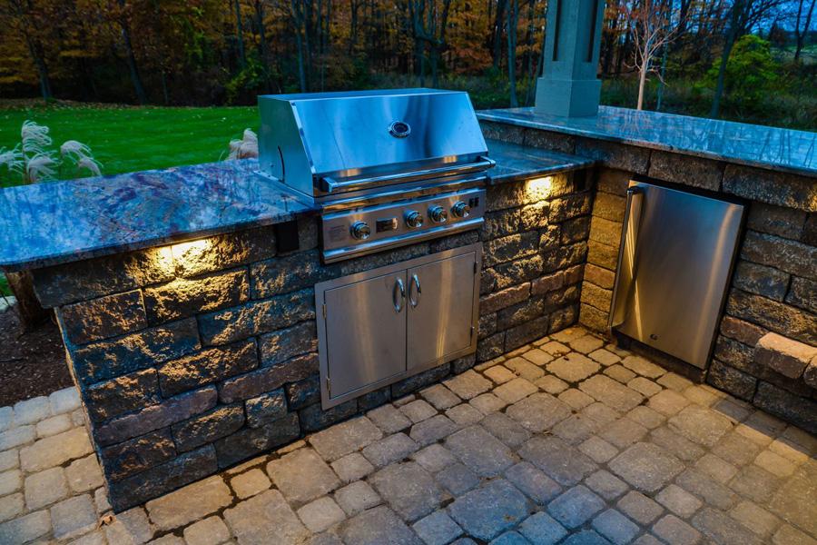 outdoor-kitchen-lighting-photo-8