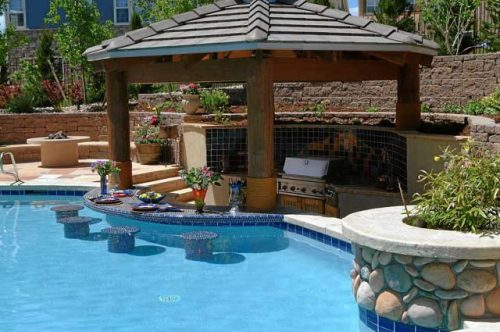 Outdoor pool and bar designs – bring out the beauty with compliments to your home
