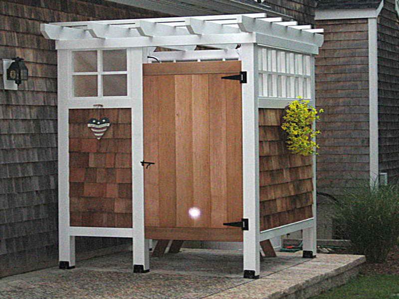 outdoor-shower-door-photo-6