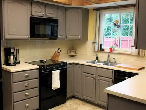Painting-kitchen-cabinets-good-idea-photo-14