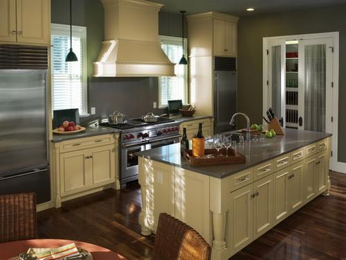 Painting-kitchen-cabinets-good-idea-photo-16