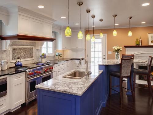 Painting-kitchen-cabinets-good-idea-photo-6