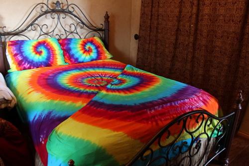Rainbow-tie-dye-bedding-photo-9