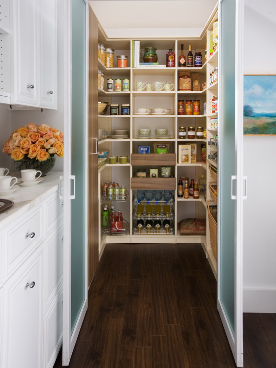 small-kitchen-open-pantry-photo-7