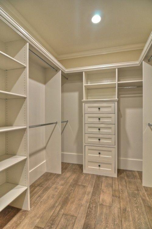 Small-walk-in-closet-design-layout-photo-3