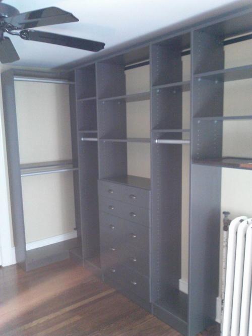 Small-walk-in-closet-design-layout-photo-7