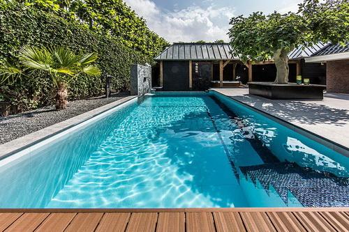 Swimming-pool-backyard-photo-11