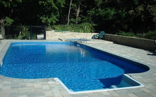 Swimming-pool-backyard-photo-14