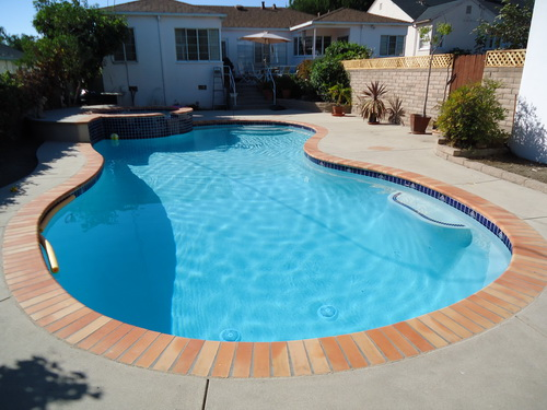 Swimming-pool-backyard-photo-16