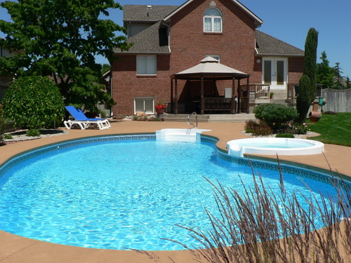 Swimming-pool-backyard-photo-18