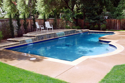 Swimming-pool-backyard-photo-20