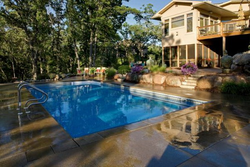 Swimming-pool-backyard-photo-7