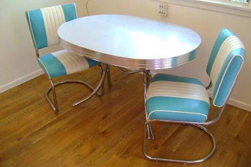 Vintage-kitchen-table-photo-5