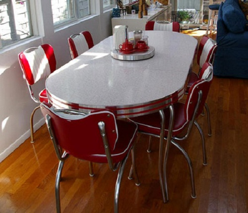 Vintage-kitchen-table-photo-6