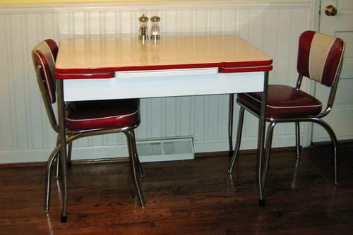 Vintage-kitchen-table-photo-7