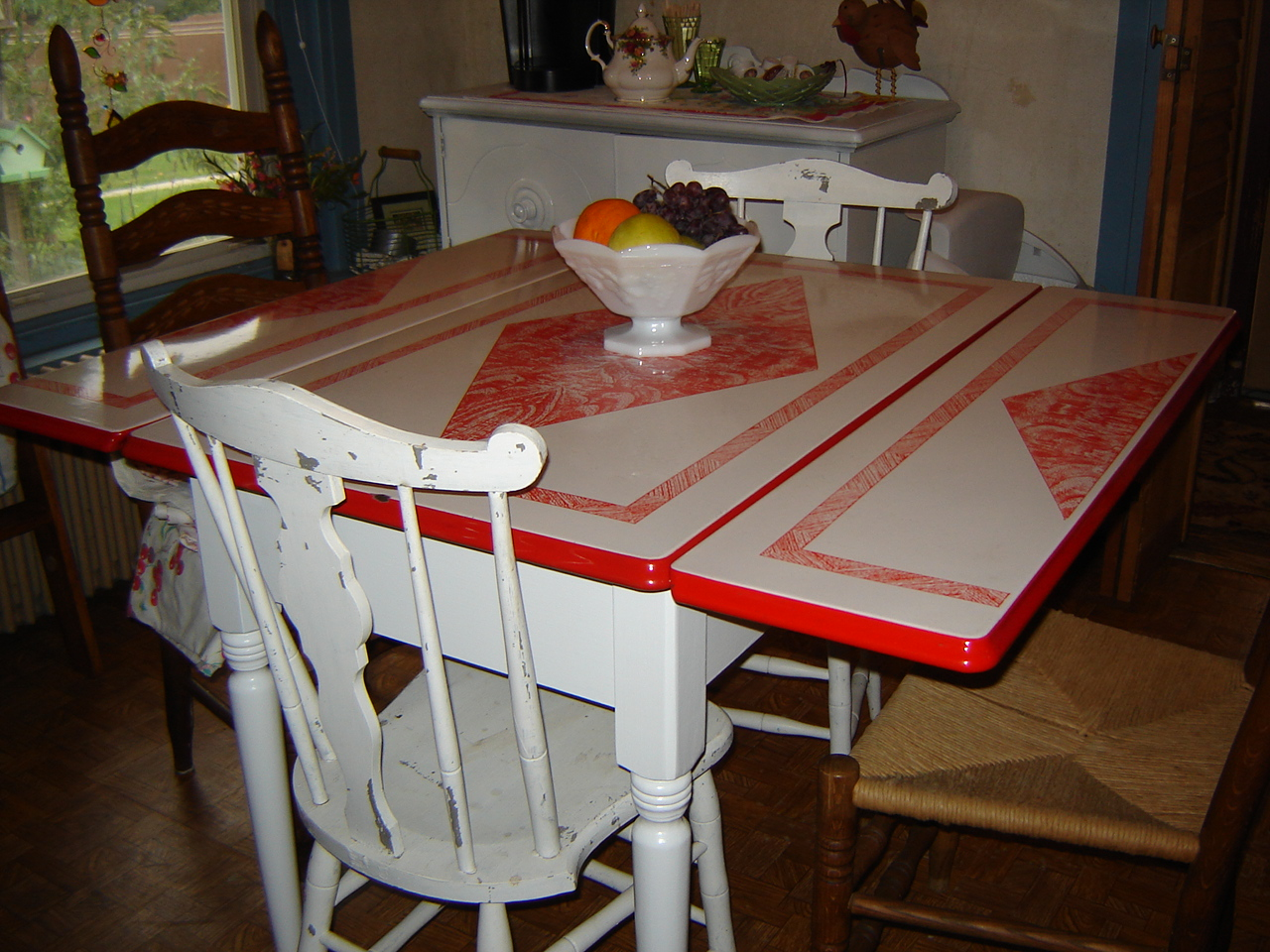 vintage-porcelain-kitchen-tables-photo-12