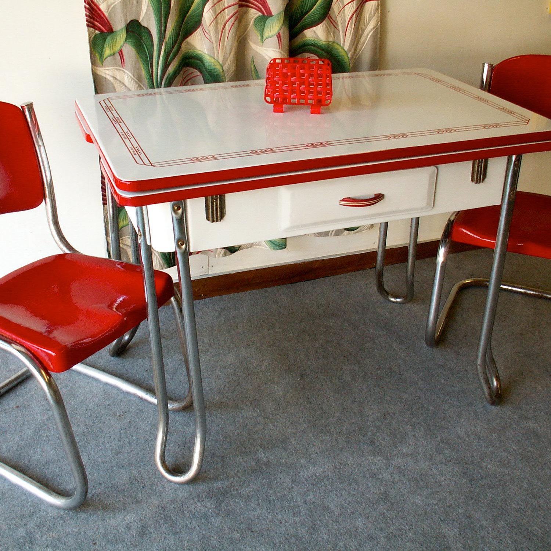 vintage-porcelain-kitchen-tables-photo-4