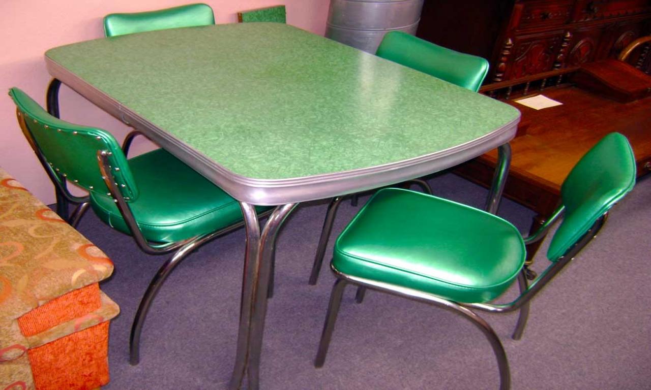 vintage-porcelain-kitchen-tables-photo-5
