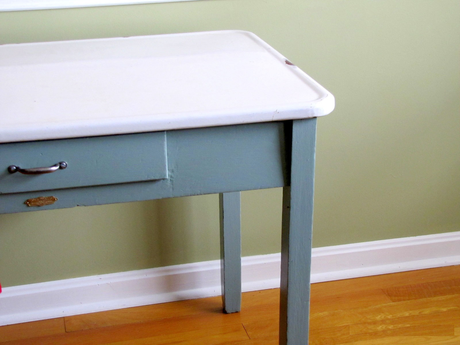 vintage-porcelain-kitchen-tables-photo-6